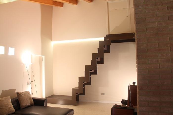 Novit realizzazione scale a giorno da interni marangoni - Scale usate per interni ...