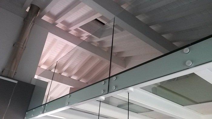 Ringhiere in vetro verona parapetti vetro ideal vetraria for Duelle scale