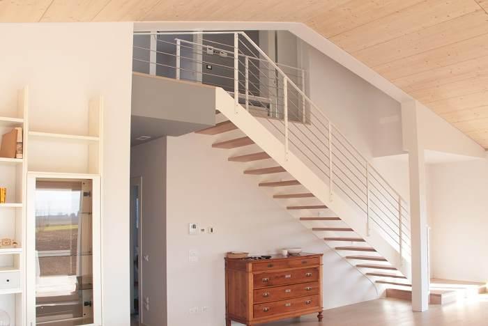 Produzione scale vicenza e padova provincia progettazione scale per interni marangoni scale - Scale prefabbricate in legno ...